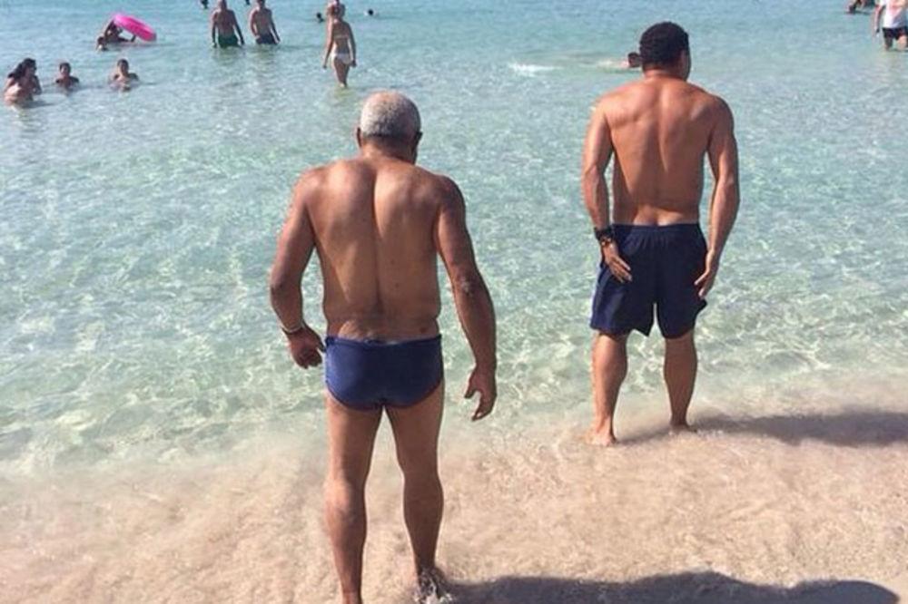 (FOTO) TO JE SIN: Ronaldo poveo oca na kupanje!