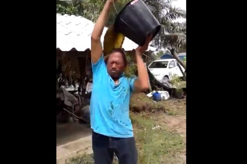 POBRKAO LONČIĆE: Čovek se umesto vodom polio kofom punom izmeta!