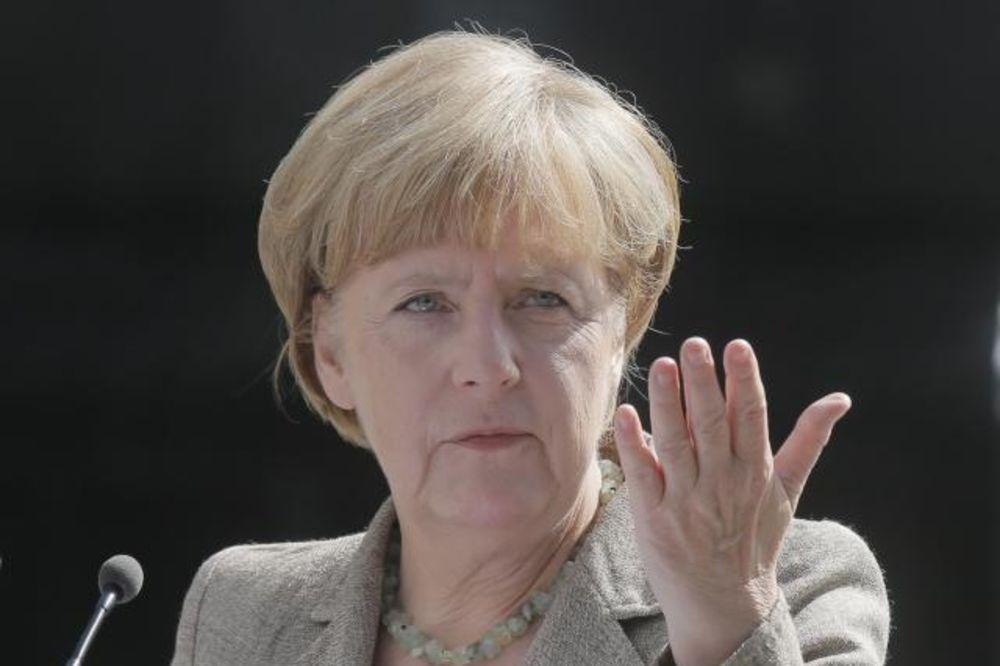 MERKELOVA UPOZORAVA: Zaštitite spoljne granice EU ili...