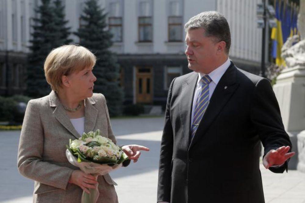 ANGELA MERKEL: Ne isključujemo nove sankcije protiv Rusije!