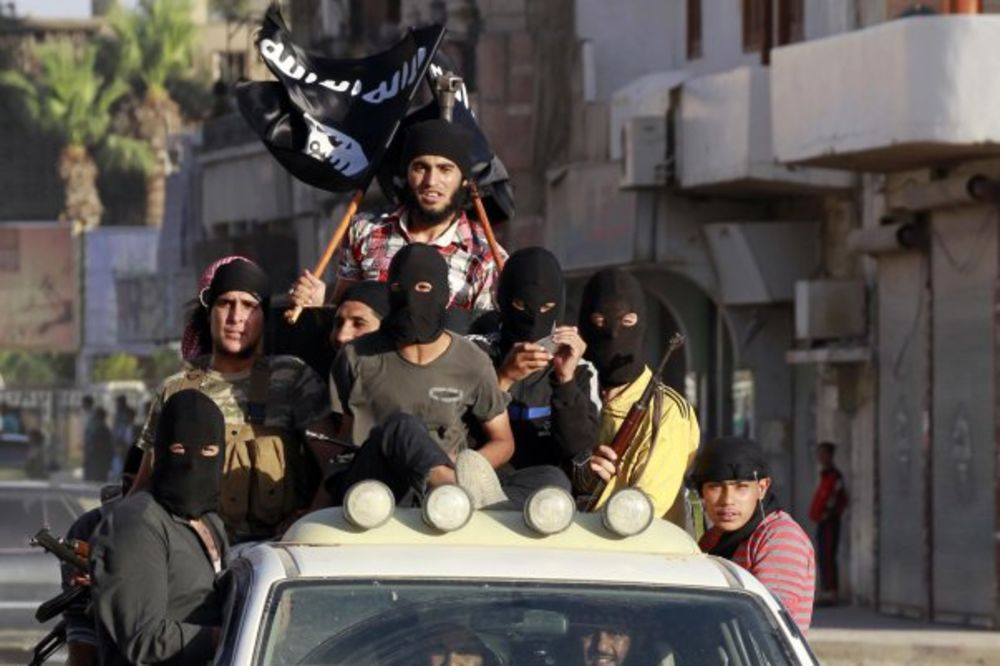 SUPRUGA ODALA ISLAMISTU IZ BIH: U Siriji kao na odmoru, malo na liniji, pa lezi, pij!