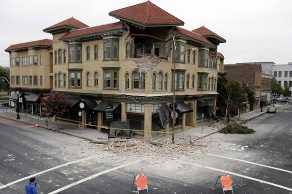 PROGLAŠENO VANREDNO STANJE: U jakom zemljotresu u Kaliforniji 120 povređenih