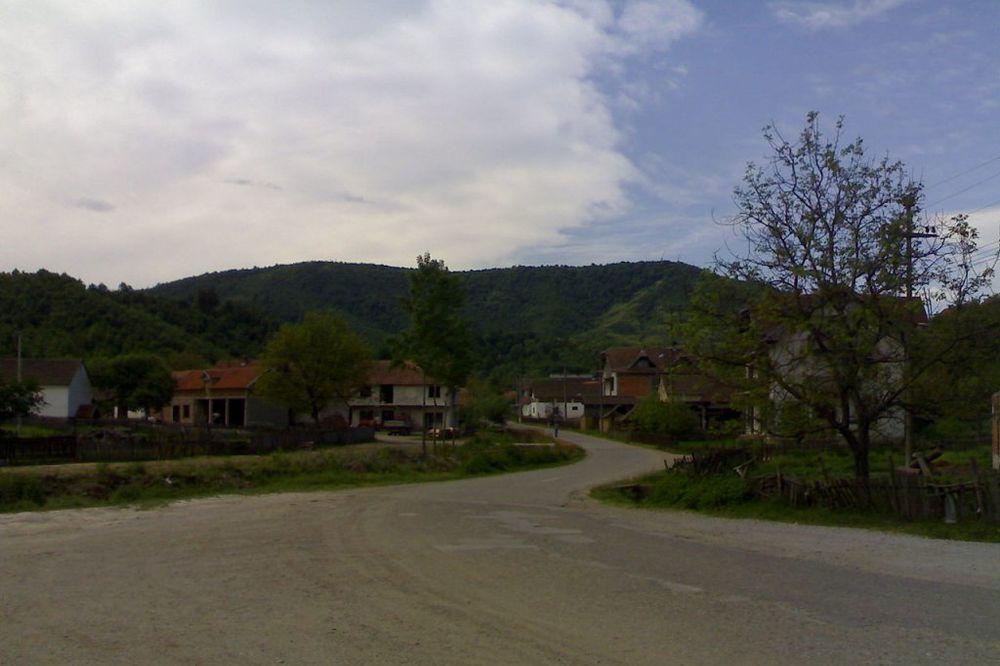 BELA REKA: Celo selo evakuisano zbog četničkih granata!