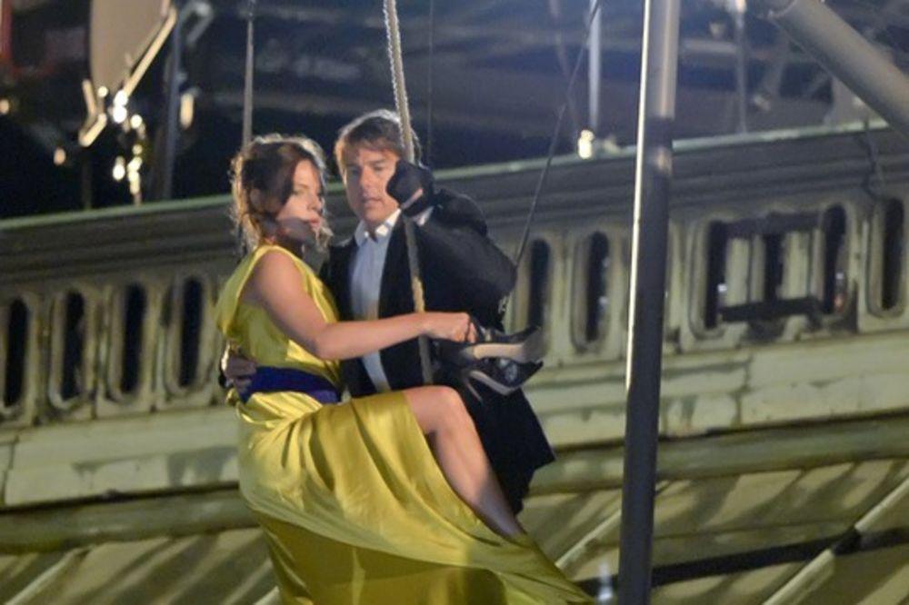 (VIDEO) Tom Kruz čitavu noć skakao sa krova Bečke opere!