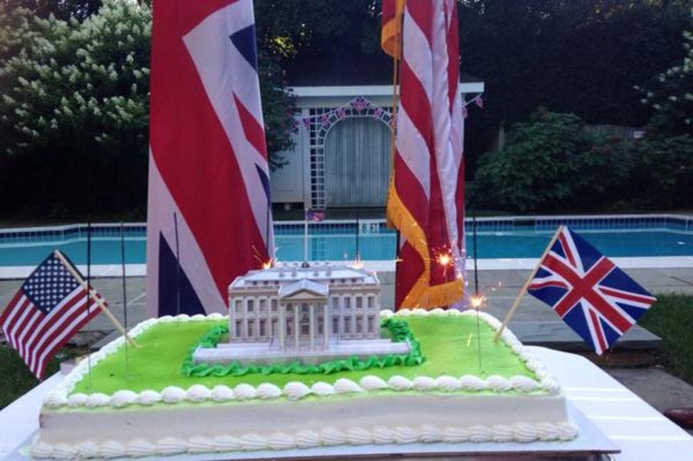 DIPLOMATSKI SKANDAL: Zbog ovog tvita britanska ambasada morala da se izvinjava Americi!