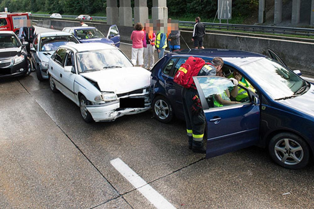 KARAMBOL: U lančanom sudaru kod Beča povređeno 19 osoba!
