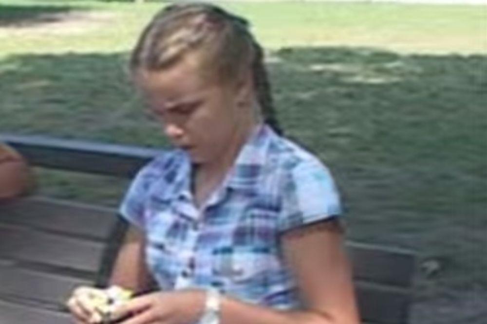 (VIDEO) DEVOJČICA KOJA ĆE VAS ODUŠEVITI: Dunja (12) iz Beograda slaže Rubikovu kocku za 10 sekundi