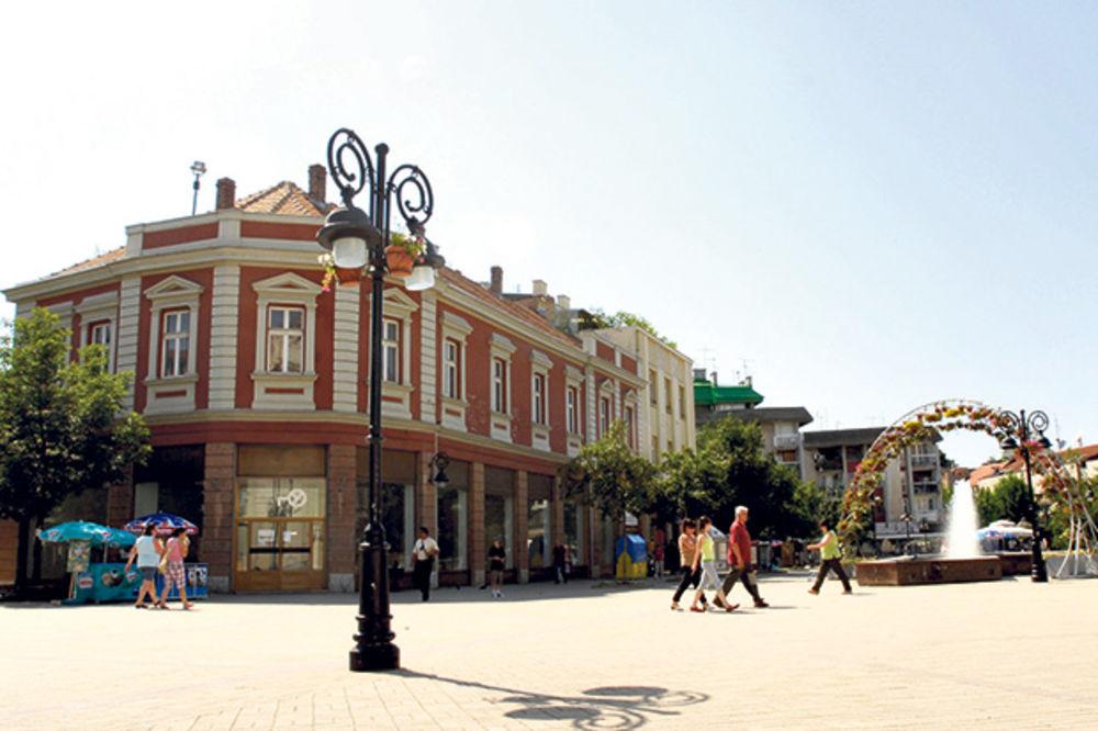 Komarci zatvorili otvoreni bioskop u Smederevu