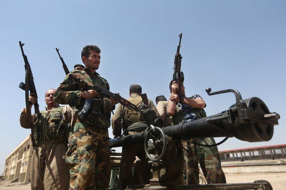TEHERAN POVUKAO NOGU: Iran prvi isporučio Kurdima oružje za borbu protiv ISIL