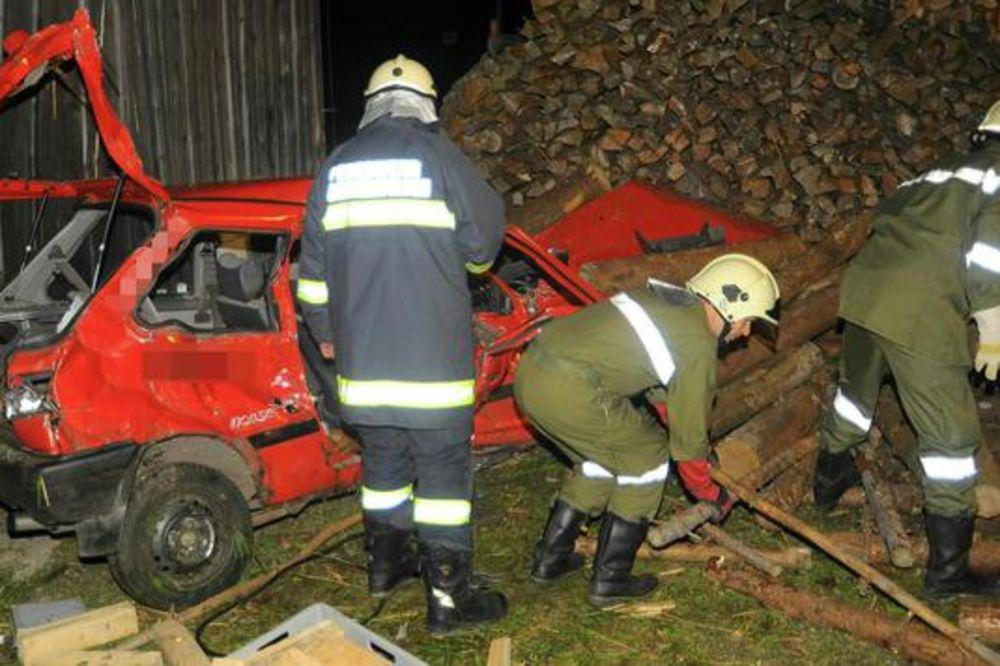 ŠOK: Vatrogasci došli na mesto nesreće i zatekli mrtvog druga u kolima!