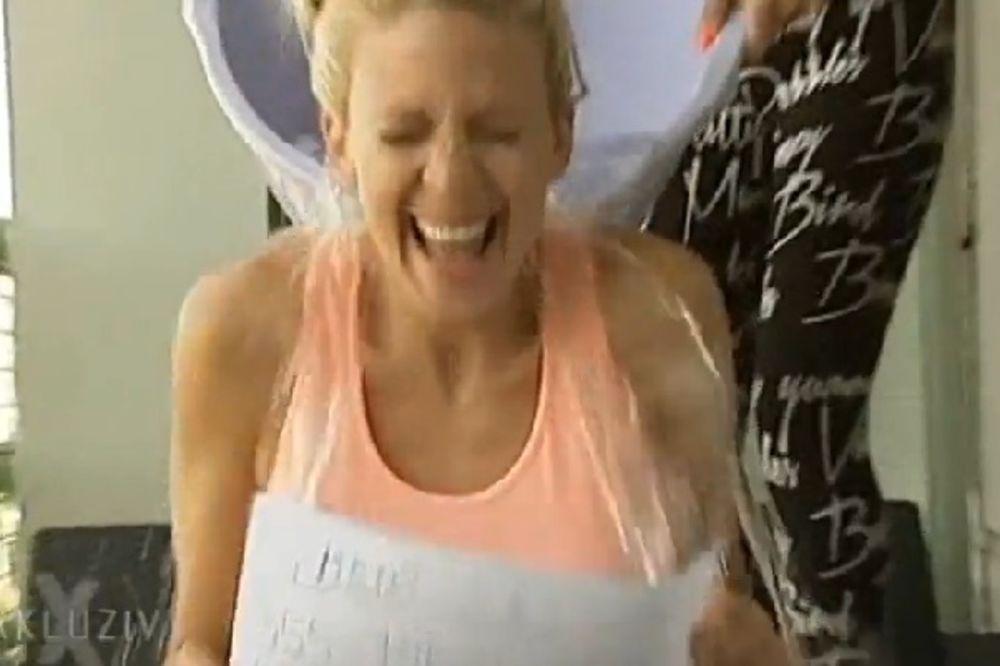 (VIDEO) LEDENI IZAZOV: Milica Todorović prvo uplatila novac pa se polila vodom!