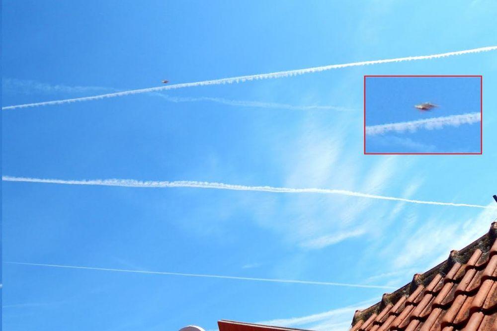 FOTO ČITAOCI: Kakvi su ovo tragovi na nebu iznad Beograda?!