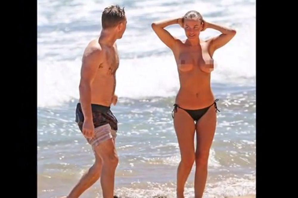 (FOTO 18+) GOLO BUJNO POPRSJE: Lara Bingl u toplesu uživala na plaži!