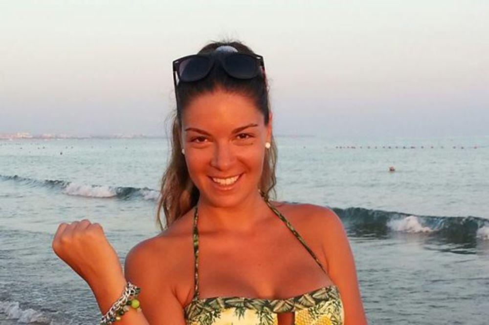 SEKSI VODITELJKA: Sanja Kužet pokazala zategnuto telo!