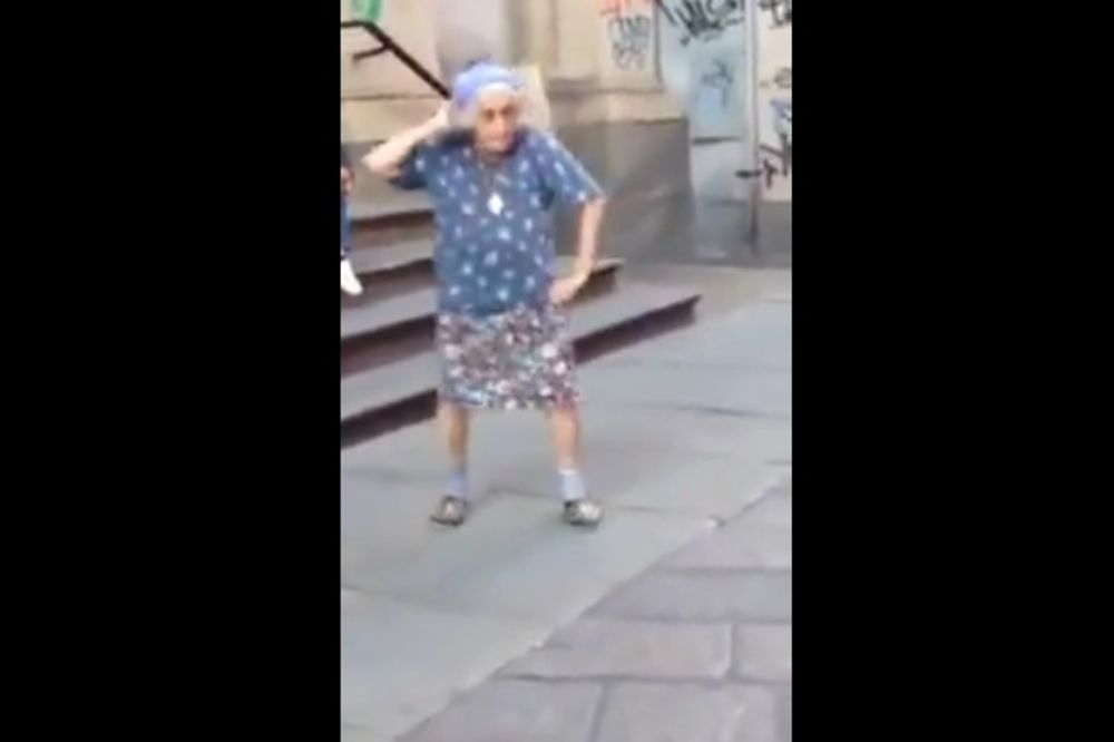 GLEDAJ, MLADOSTI: Baka ima 97 a pleše kao devojčica!