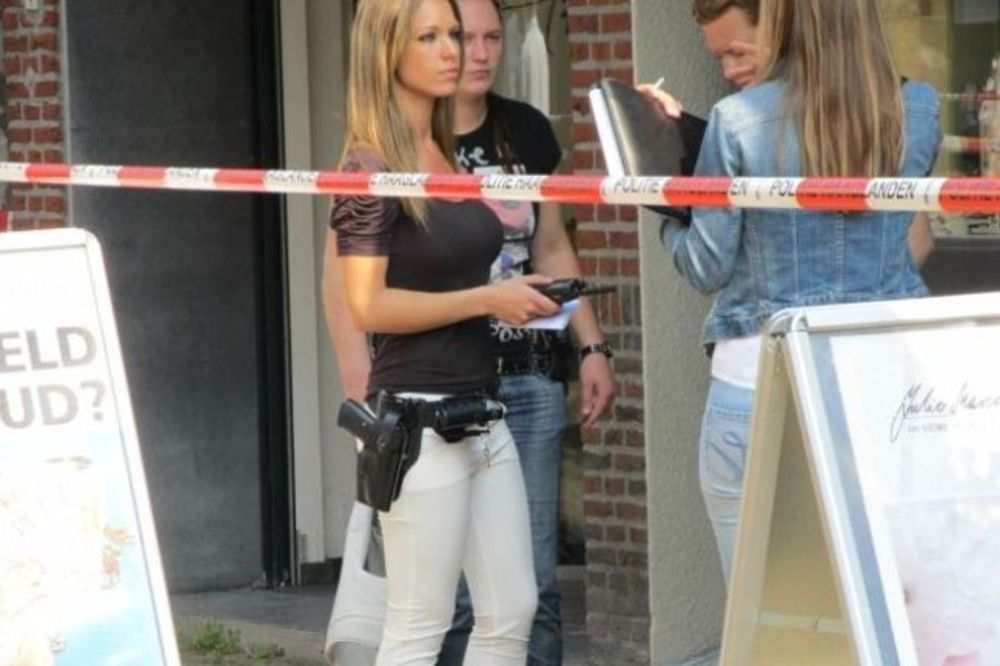 SEKSI ZAKON: Fatalna policajka hapsi po Holandiji!