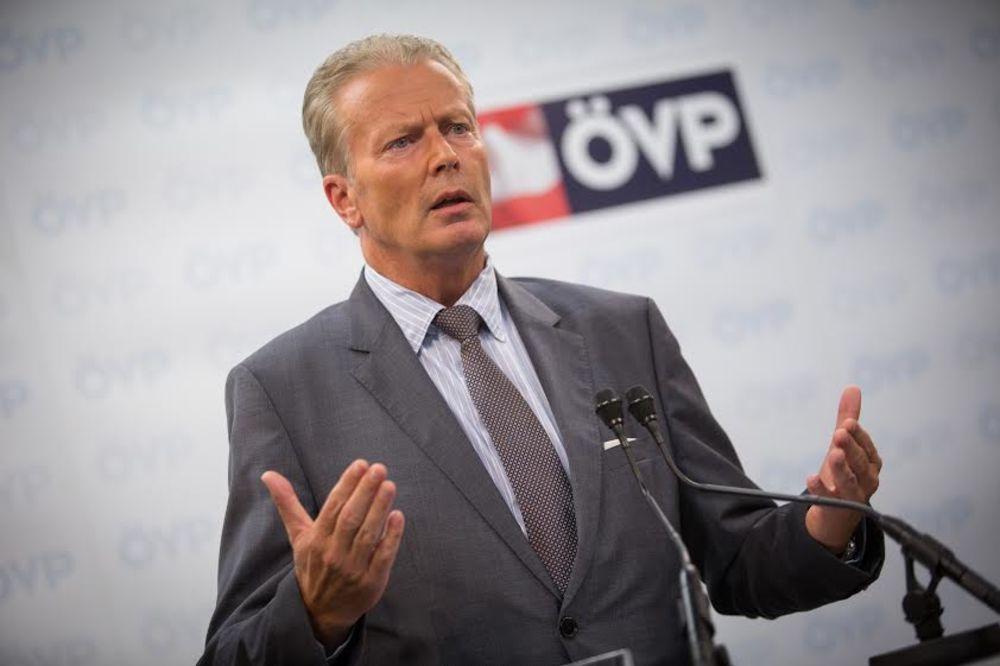 SPLETKE POTRESAJU AUSTRIJSKU VLADU: Miterlener zapretio ostavkom na mesto šefa ÖVP!