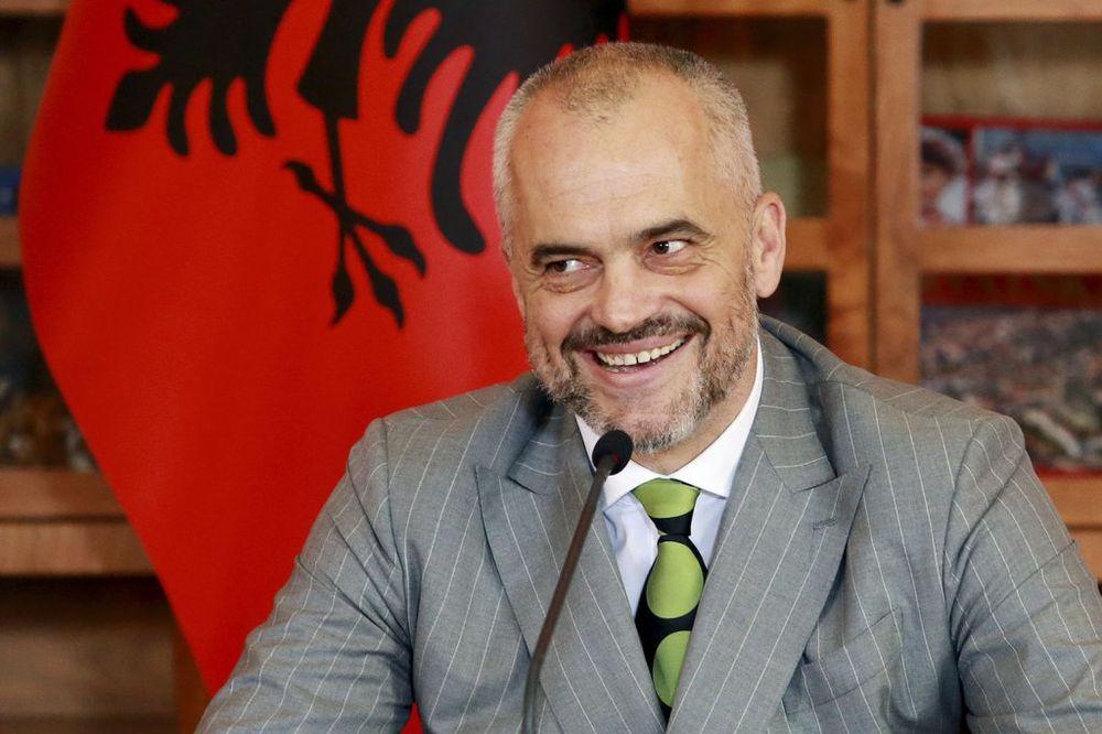 KO O ČEMU...: Edi Rama opet truća o ujedinjenju Kosova i Albanije