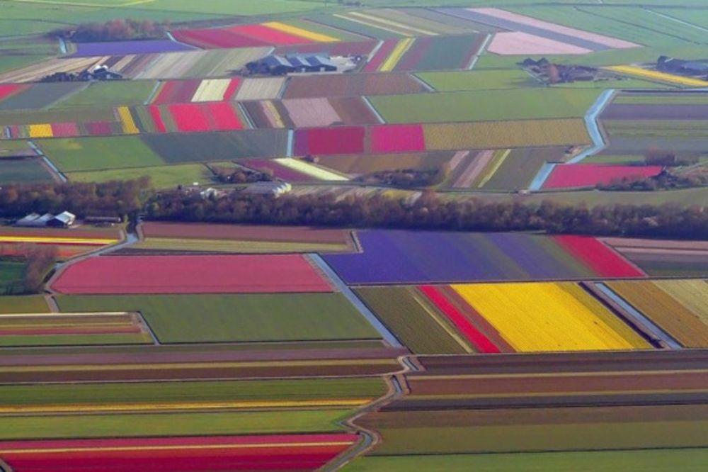 FOTKE KOJE ĆE VAS OSTAVITI BEZ DAHA: Pogled na zemlju iz pilotske kabine!