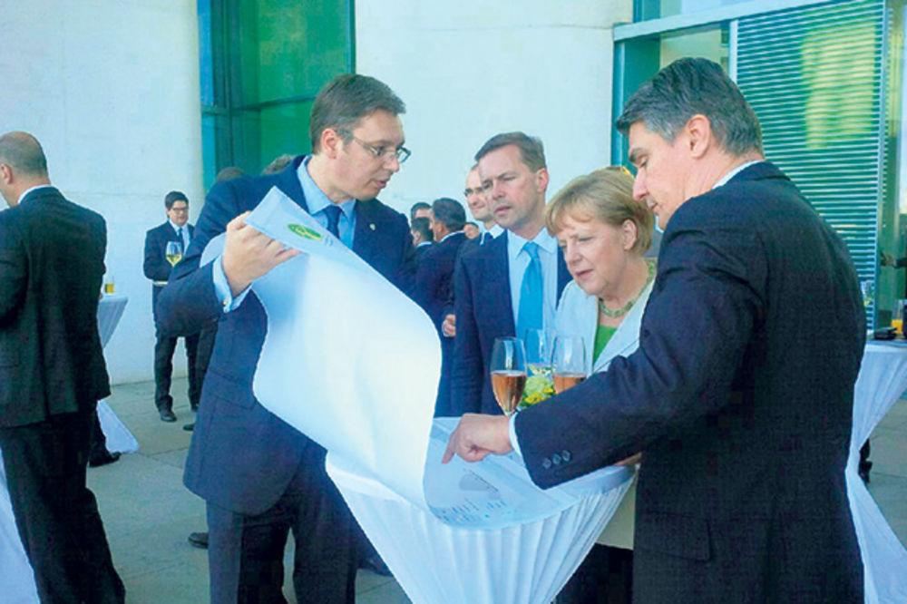 PREMIJEROV PLAN: Merkelovu oduševilo Vučićevih pet tačaka!