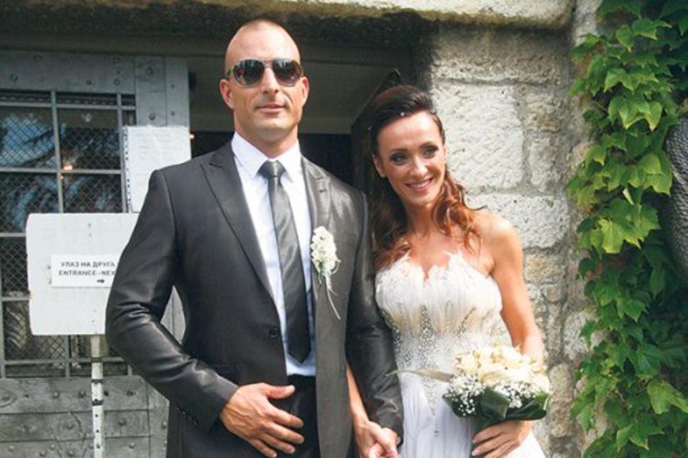 PRVI PUT U VENČANICI: Slađa Delibašić zakasnila 15 minuta na svoje venčanje!