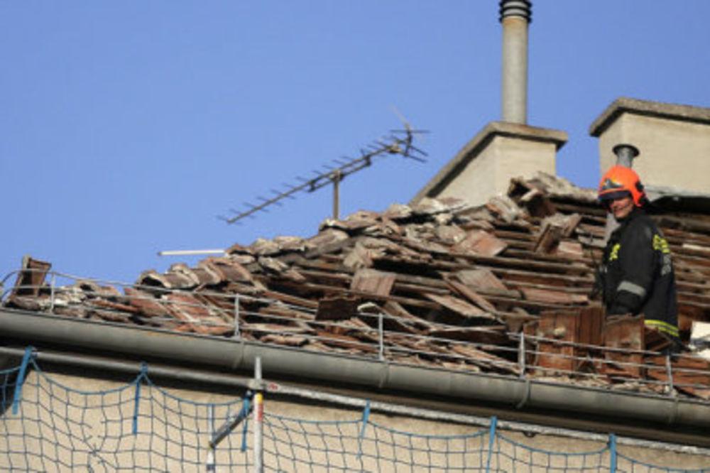 (FOTO) EKSPLOZIJA U BEČU: Gas razneo krov zgrade!