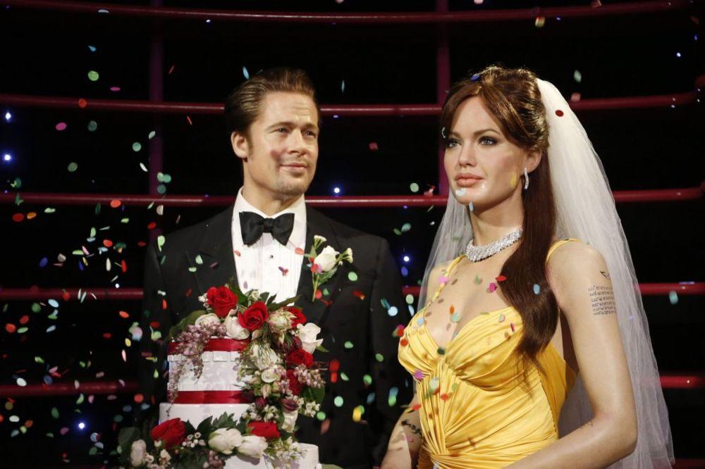 VENČANJE DECENIJE: Pogledajte svadbene fotografije Anđeline i Breda Pita!