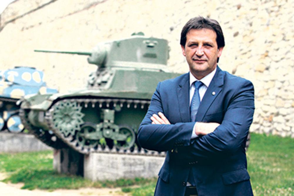 GAŠIĆ : Vojska Srbije je uvek bila uz svoj narod!