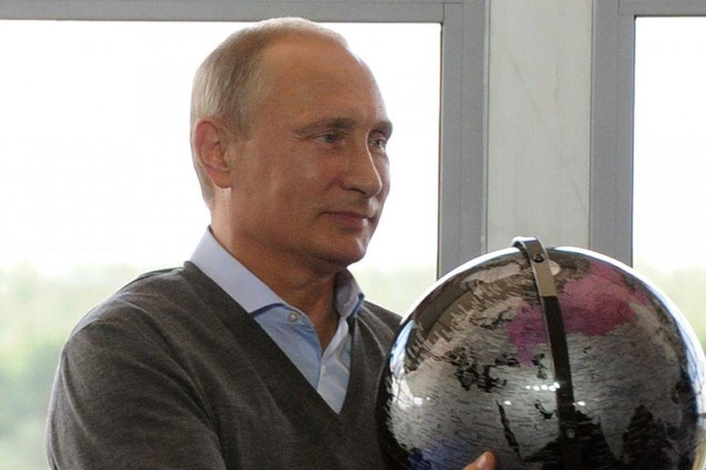 VLADIMIR PUTIN: Dogovorio sam s Porošenkom mirno rešenje situacije u Ukrajini