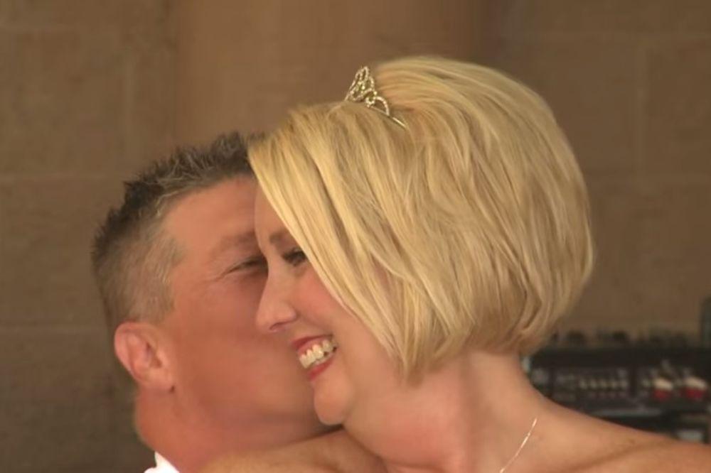 Bio je u invalidskim kolicima, a onda je sve iznenadio na svom venčanju...