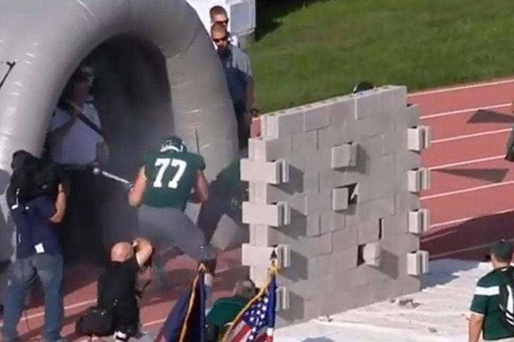 UMESTO SPEKTAKLA, DOŽIVELI FIJASKO: Betonski zid zaustavio igrače Mičigena