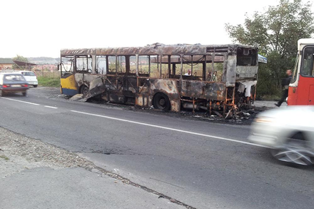 Ostao samo pepeo: Izgoreo autobus GSP na liniji 305!