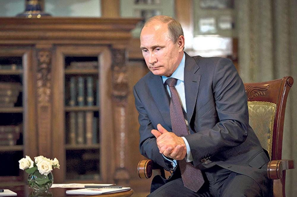PARANOJA ZBOG UKRAJINE: Putin se izolovao i sam donosi odluke!