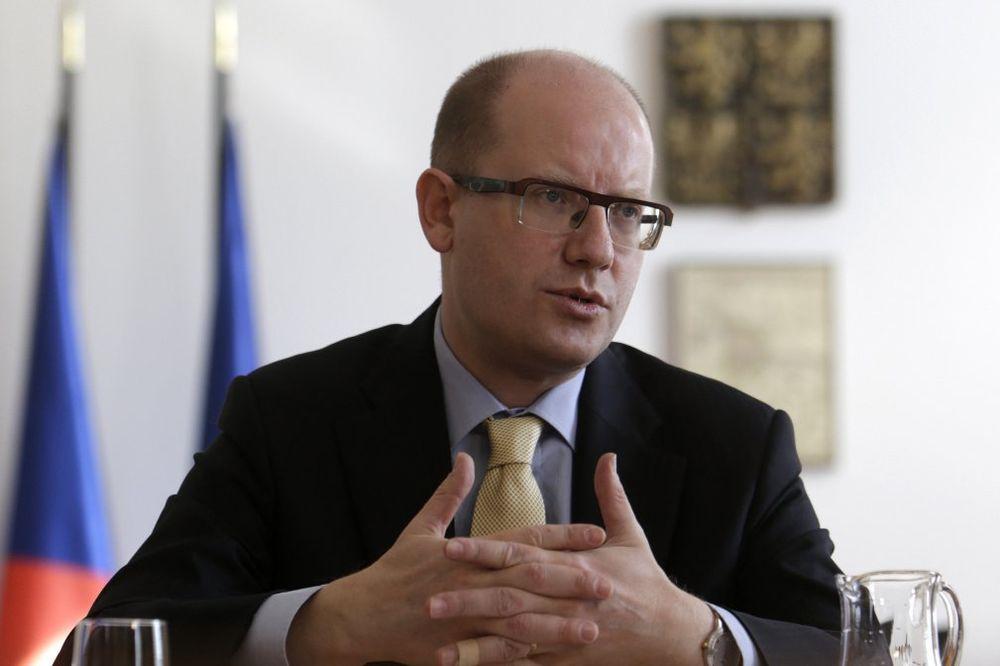 PREMIJER ČEŠKE: Ukrajina nije spremna za članstvo u EU i NATO