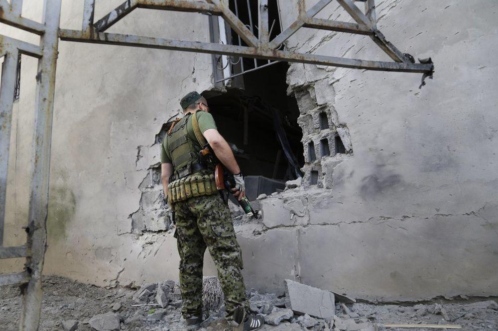 UŽIVO DAN 196 BORBA ZA AERODROM U LUGANSKU: Ukrajinska vojska se povukla!