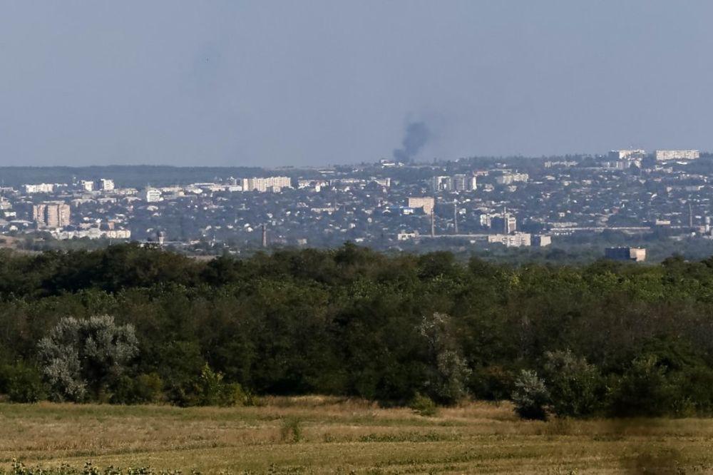 UŽIVO DAN 197 OTERALI UKRAJINSKU ARTILJERIJU: Prorusi ovladali putem između Donjecka i Marijupolja