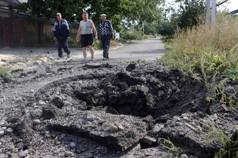DNR: Preživela 2 novinara koje je granata pogodila kod aerodroma u Donjecku