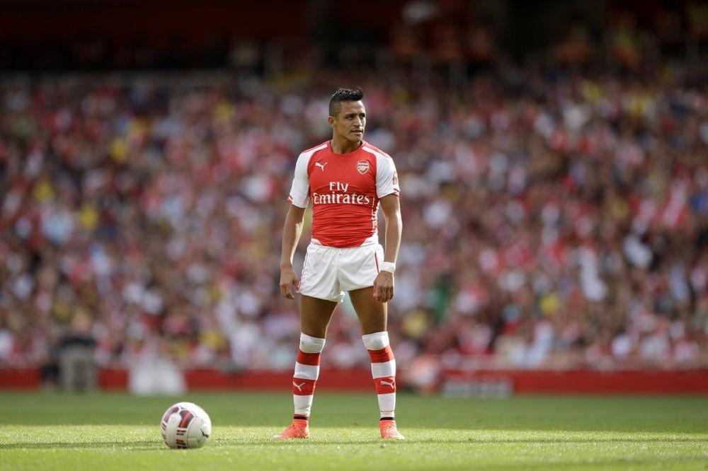 (VIDEO) POSTAVIO DOMAĆI ZADATAK: Fudbaler Arsenala sjajnim driblingom pomera granice