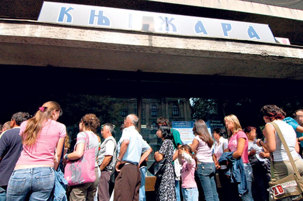 HAOS: Redovi za kupovinu knjiga od pola kilometra