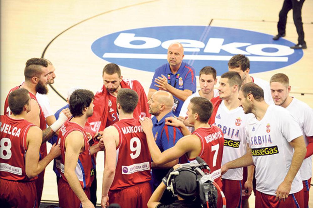 PONOSNI SMO NA VAS: Vučić čestitao košarkašima srebrnu medalju