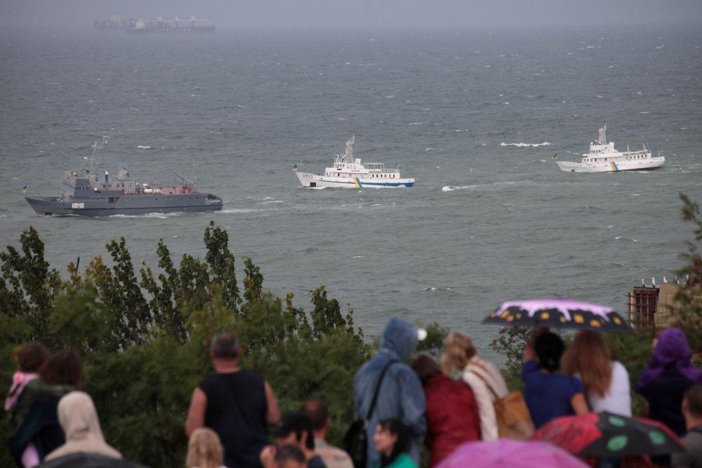 GUŽVA OKO RUSIJE: SAD i Ukrajina vežbaju u Crnom moru, NATO u Letoniji