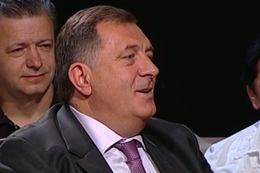 (VIDEO) DODIK KOD MILOMIRA MARIĆA: Pevao i otkrio ko je tražio njegovu glavu na tacni!