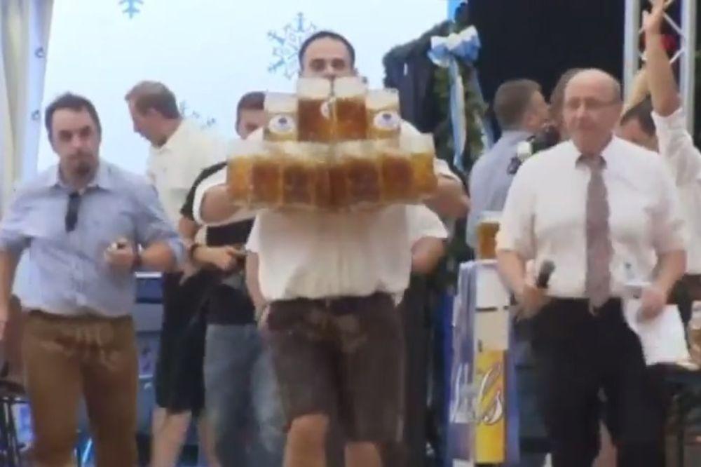 (VIDEO) KRALJ KRIGLI: Konobar hobotnica oborio svetski rekord!