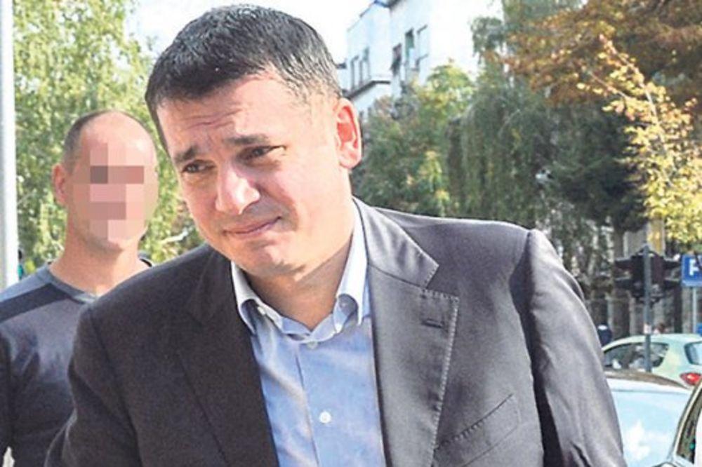 PANIKA ZBOG PRINUDNE NAPLATE: Pajtić se izvukao, Božović i Elezović plaćaju dug DS!