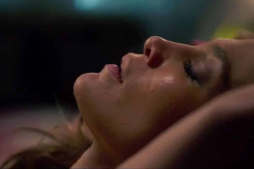 (VIDEO) VATRENA DŽEJ LO: Glumica pokazala zašto je najpoželjnija!