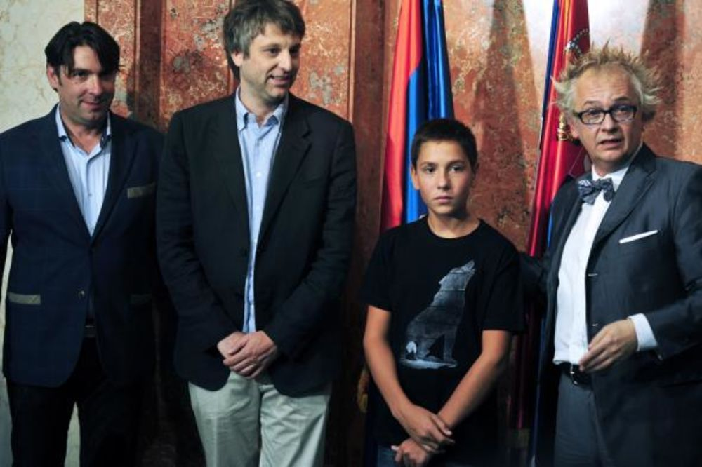 TRI NAGRADE U VENECIJI: Ministar Tasovac čestitao ekipi filma Ničije dete!
