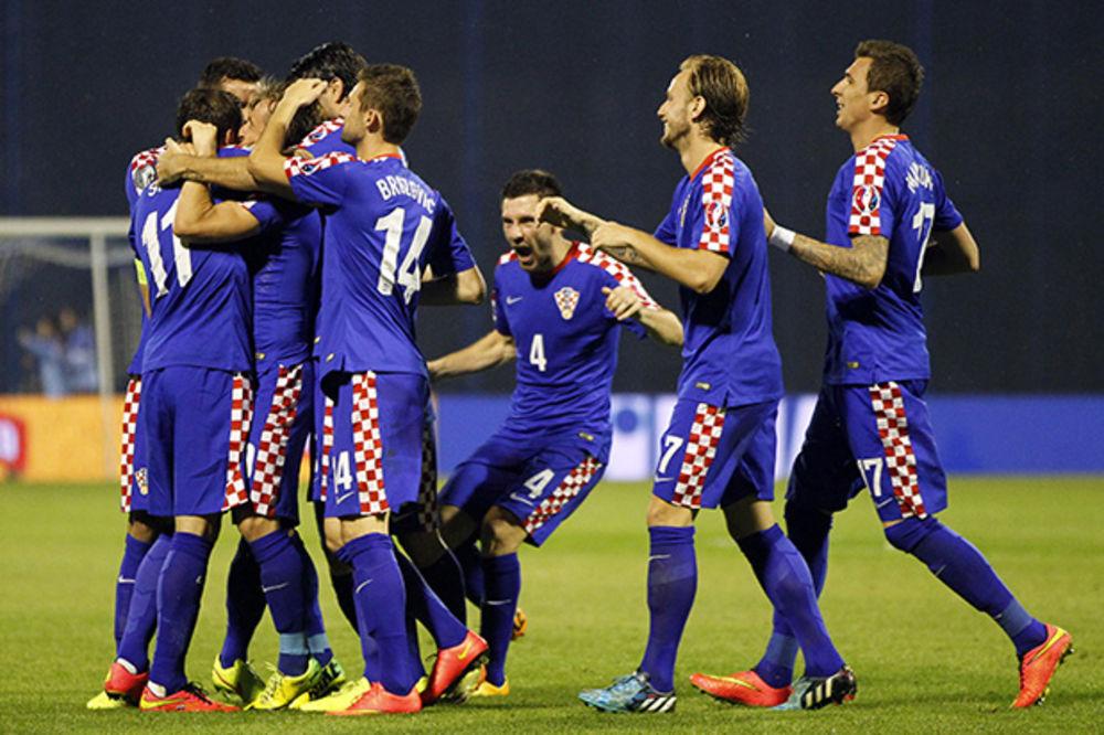 (FOTO) PONOSE SE GOLGETERIMA PAVELIĆEVE NDH: Hrvatski fudbalski savez ponovo veliča ustaštvo