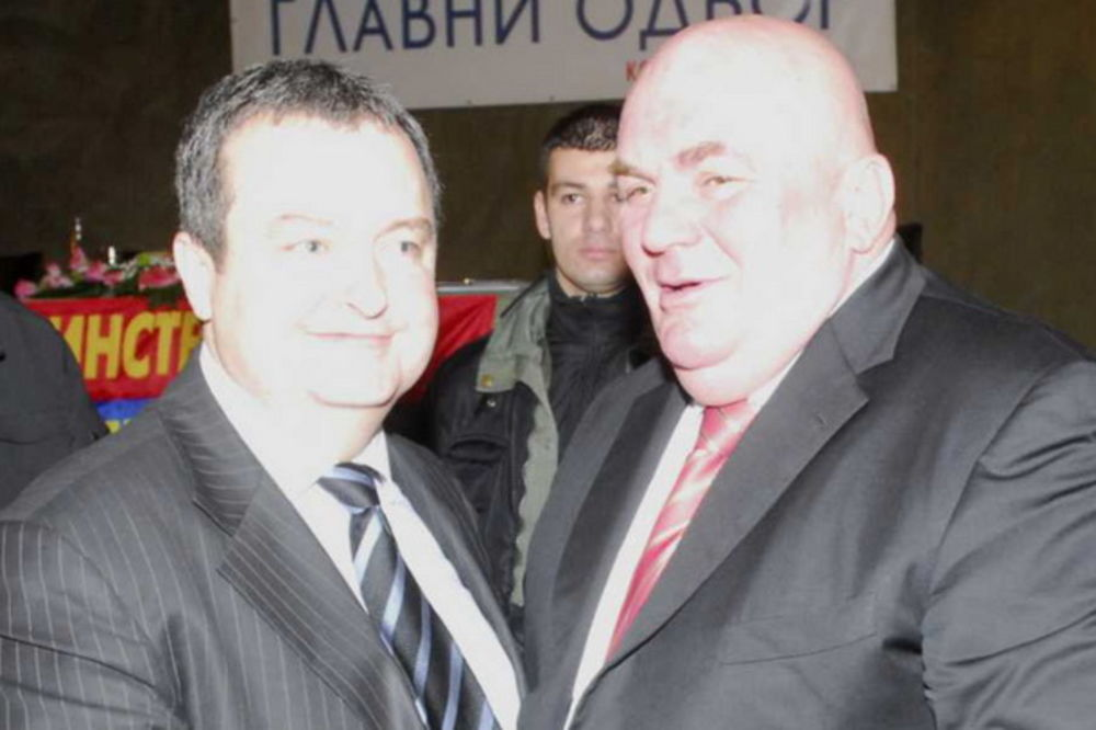KONVENCIJA SPS I JS U LESKOVCU: Dačić i Palma obećali besplatno školstvo i zdravstvo i penzije od 30
