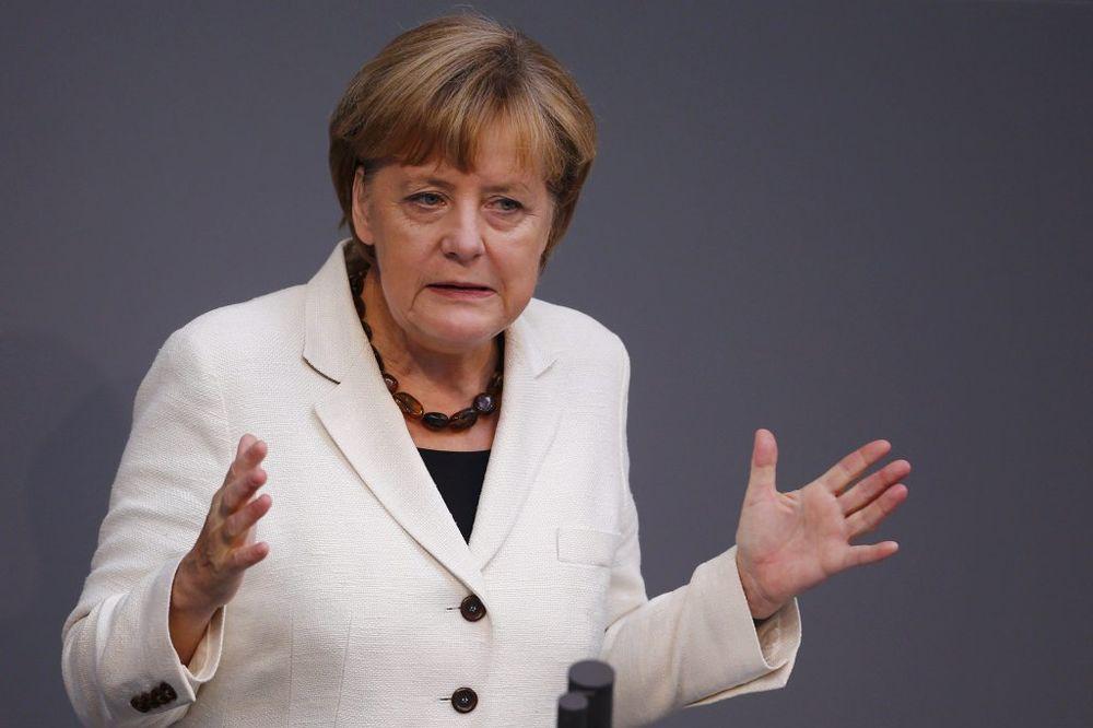 ANGELA MERKEL: Evropa treba da razgovara s Rusijom, ali i da stegne kaiš