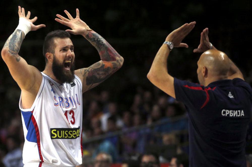 (VIDEO) BOG ČUVA SRBE: Pogledajte kako Raduljica postiže najčudniji koš na Mundobasketu